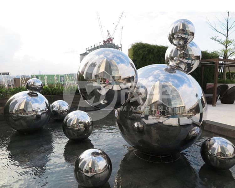 Stainless steel sphere sculpture1