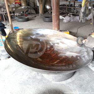 anish kapoor Stainless steel disks